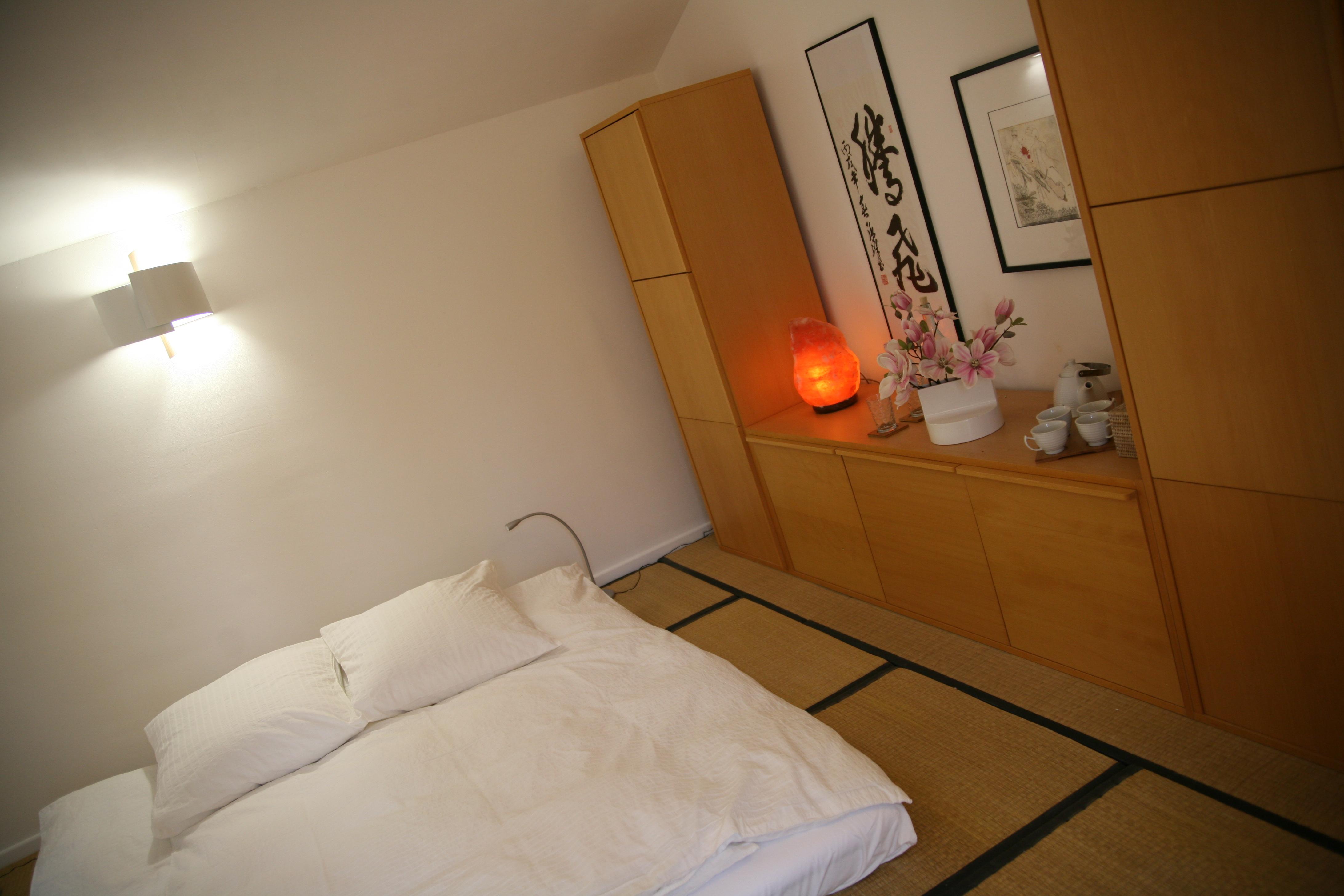 la chambre neo japonaise la maison bleue. Black Bedroom Furniture Sets. Home Design Ideas